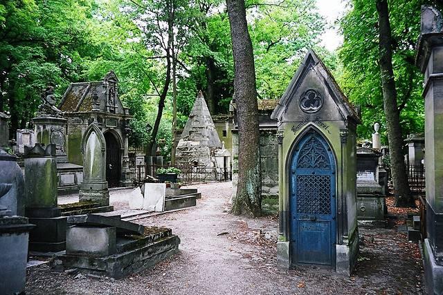 pere_lachaise_cemetery_007