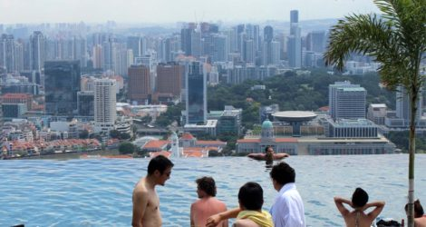 I Snuck Into Singapore's Marina Bay Hotel Guest Area And Realised Being Rich Isn't That Great