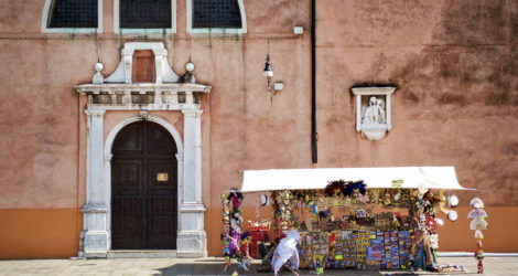 """""""Tourists Go Home"""": Unsustainable Travel in Venice"""